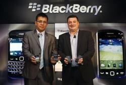 First Look: BlackBerry Curve