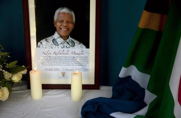Obama to Pay Tribute to Mandela in South Africa