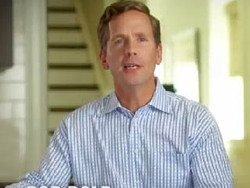 IL-10: New Bob Dold Ads Take On Bipartisanship, Healthcare | Video