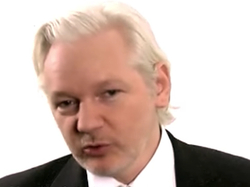 Maher Interviews Julian Assange: It Looks Like You're Putting Your Thumb On The Scale For Trump